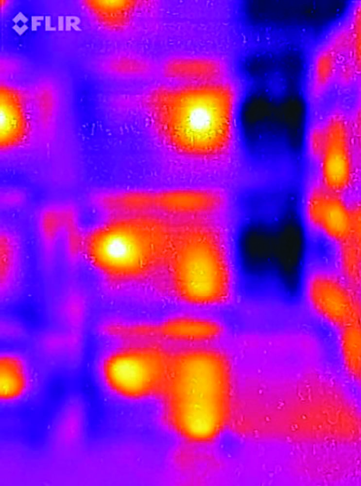 Pallets of hives in wintering shed, FLIR ONE, 1st Generation Camera.