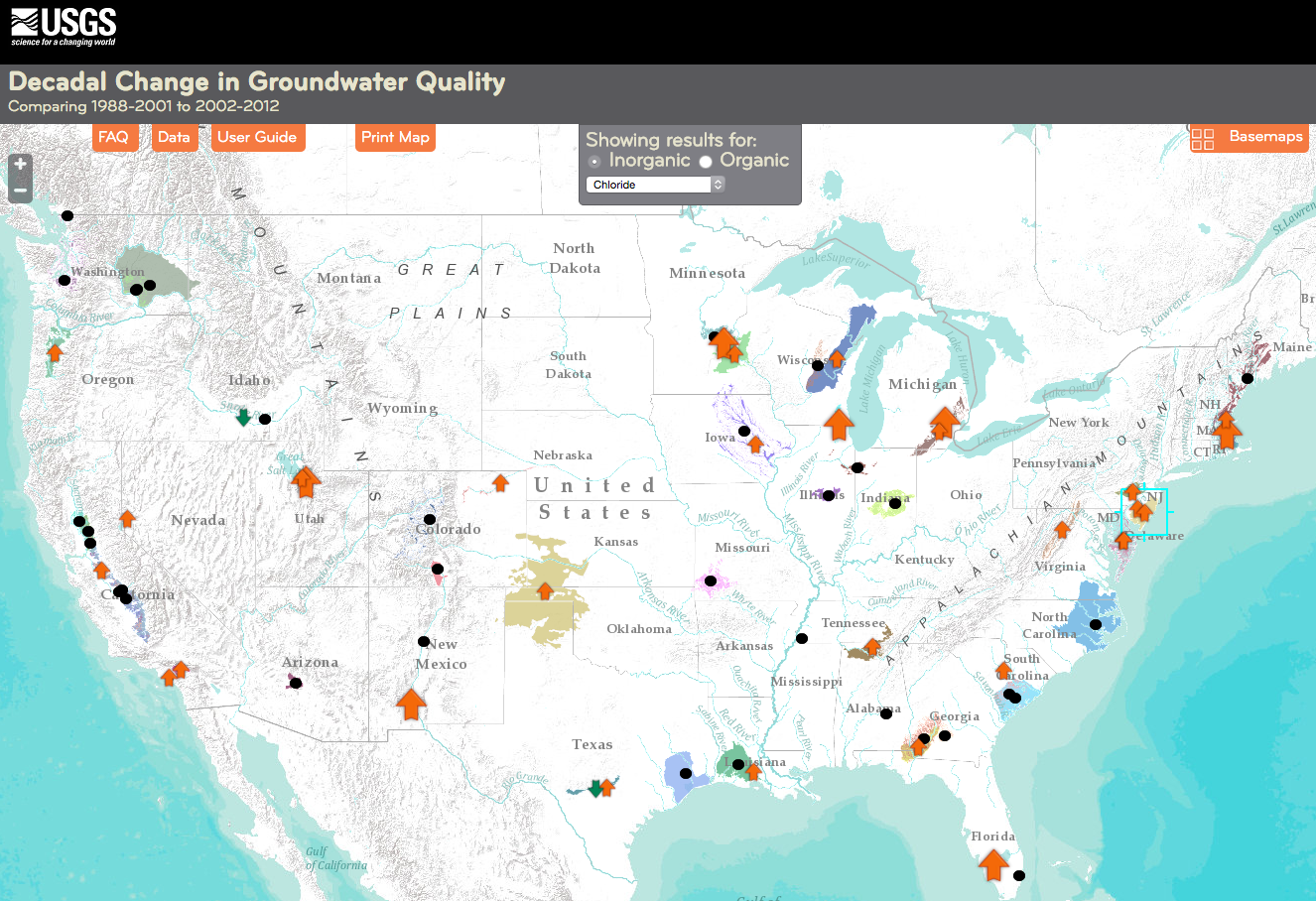A screenshot of the national groundwater quality map for chloride. The arrows show whether concentrations increased, decreased between the two sampling periods, roughly a decade apart. Black dots represent no change in concentration.