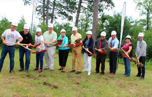 Helping out were (from left) Gary Dietrich, Paws and Claws board member; Scott Kuehl, Nor-Son CEO; Jean Ballenthin, board member; Jim Clark, Paws and Claws executive director; Betty Thomas, Paws and Claws board chair; Jack Thomas, Paws and Claws board vice chair; Theresa Ryan, board member/treasurer; Jay Cline, board member; Franz Vancura, board member; Brenda Bray, volunteer/administrative support; and Sam Bontrager, Nor-Son architect. Photo by Dean Morrill