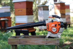 Bee (leaf) blower with work stand.