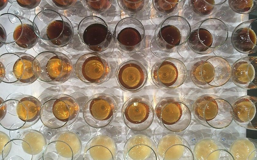 CATCH THE BUZZ – The American Honey Tasting Society holds Professional tasting classes. Learn from the best.