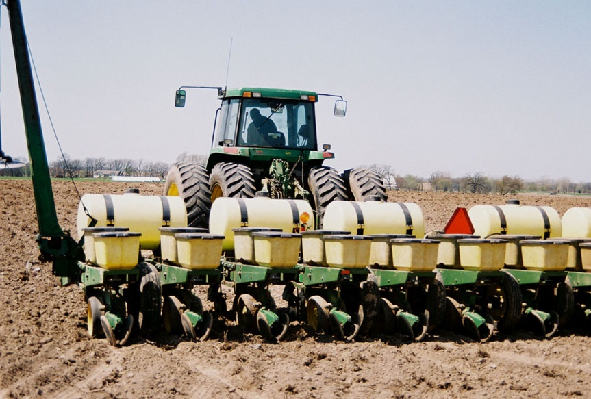 CATCH THE BUZZ – Corn Planting Dust With Insecticide Can Be Prevented. Planter Manufacturers Won't Do It.