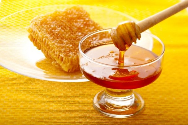 CATCH THE BUZZ – Iran Produces 80,000 Tons Of Honey Last Year, According To Ag Minister