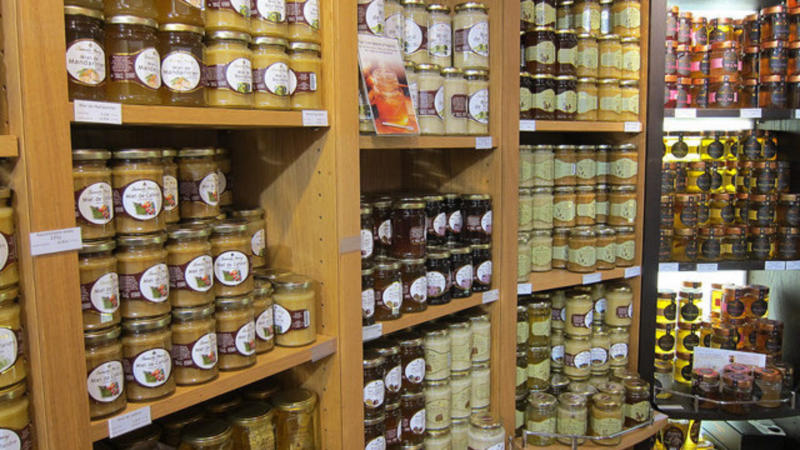 CATCH THE BUZZ – Honeygate: How Europe Is Being Flooded With Fake Honey
