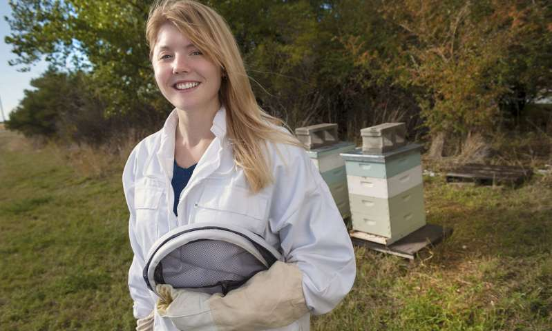 CATCH THE BUZZ – Researcher Reports Key Components Of Honey Bee Antiviral Defense.