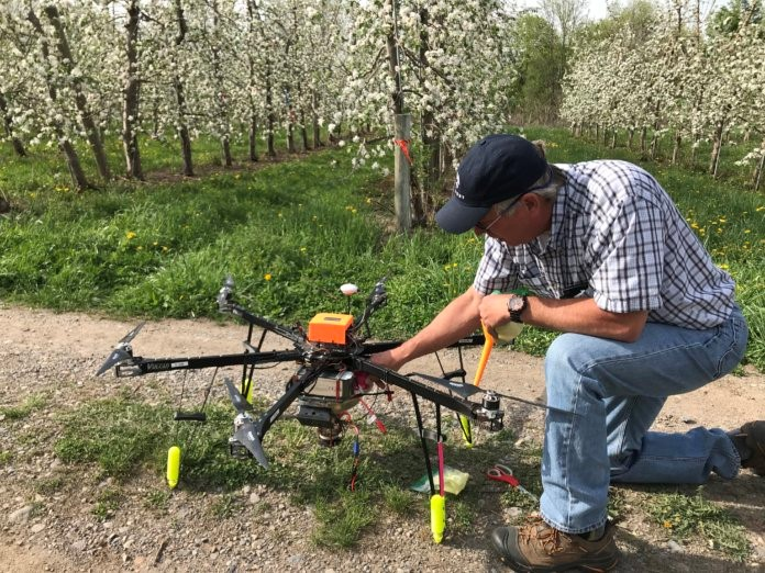 CATCH THE BUZZ – Dropcopter Releases Pollination Results. Way More Fruit Using a Drone Than When Using Honey Bees.