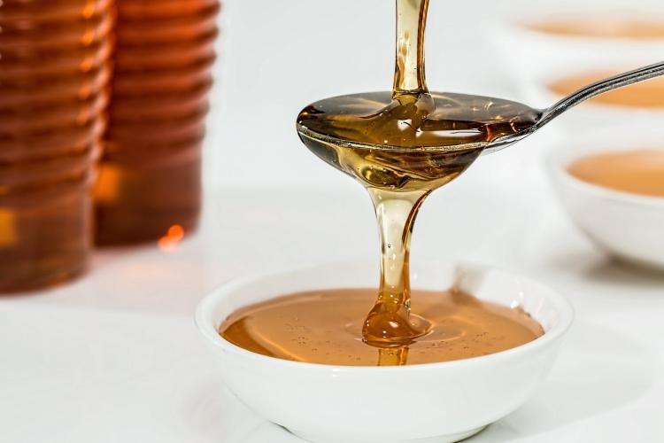 CATCH THE BUZZ- Honey in Winter: The Magic Ingredient