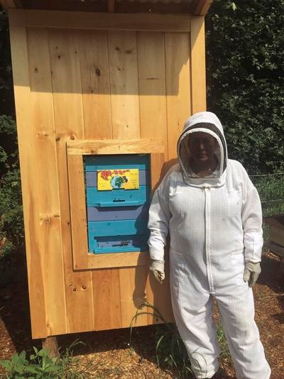 CATCH THE BUZZ – New Hampshire Bee School