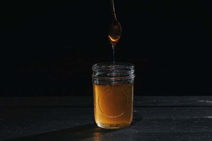 CATCH THE BUZZ – Making Honey Without the Honey Bee